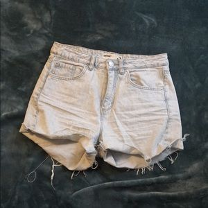 """Light wash mom shorts with 4"""" inseam"""